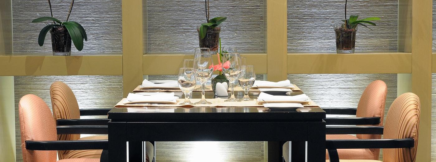 Dining Hesperia WTC Valencia