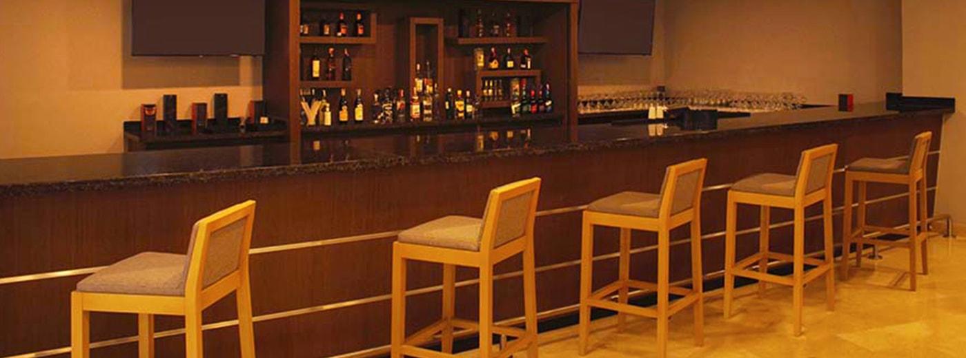 Hesperia Hotel bar Maracay