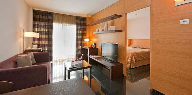 Habitación tipo apartamento Hesperia Barcelona Fira Suites